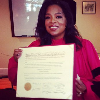 Oprah-Receives-Honarary-Doctorate-from-Harvard